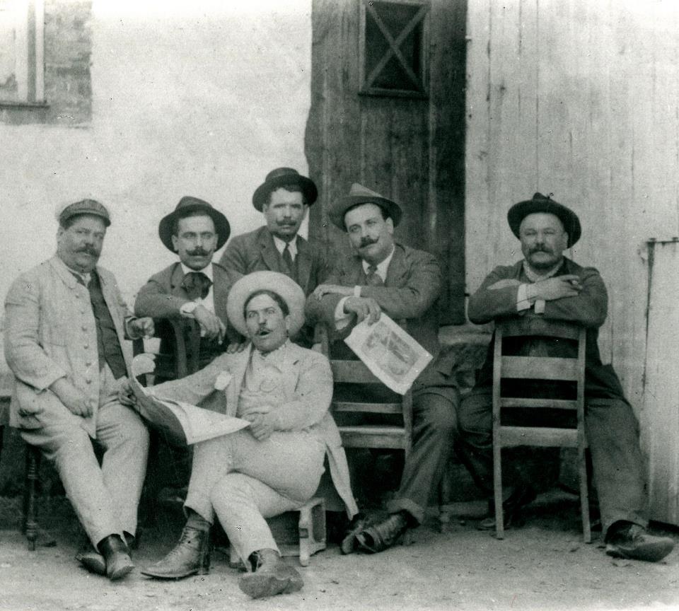 1907 – GRUPO DE AMIGOS